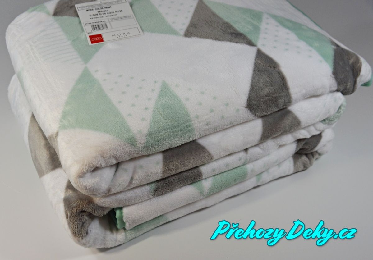 MORA luxusní španělská deka mikroplyš, přehoz na postel 220 x 240