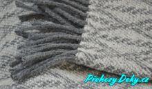 dámský pletený pléd na oblečení Vialman