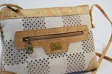 bílá korková sportovní kabelka přes rameno, bílé perforované kabelky Montado
